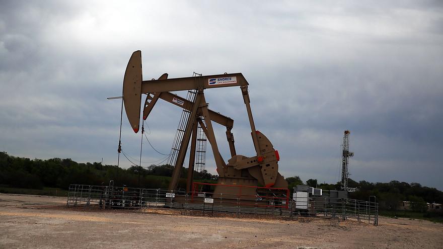 Цены на нефть превысили 50 долларов за баррель