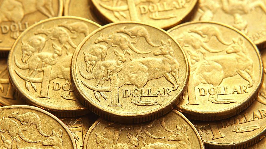 Доллар растет против песо и рубля на фоне снижения нефти