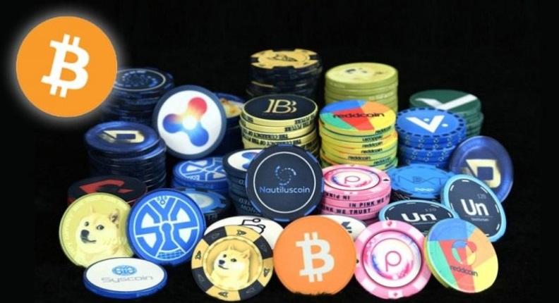 Курс биткоина продолжает падать, нарынке ожидают задуманного хардфорка